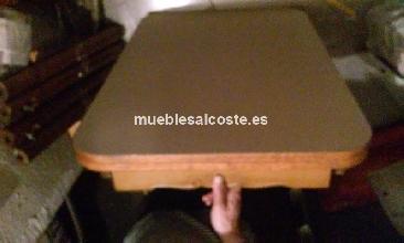 Mesa de cocina de madera