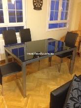 Conjunto de mesa + cuatro sillas seminuevo