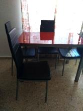 Vendo mesa con 4 sillas