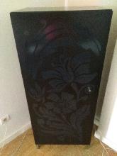 Mueble bar negro de diseño