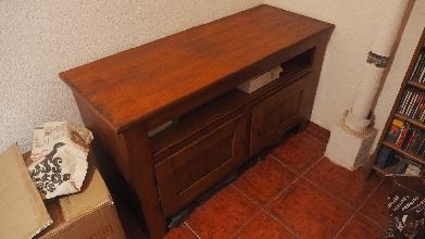 Mesa de madera T.V. Marckeric