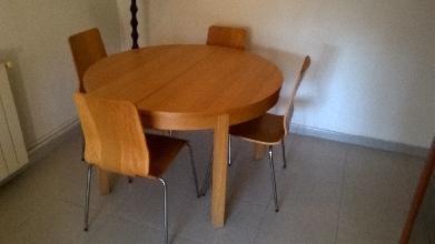 Mesa madera salón y 4 sillas