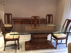 Mesa cristal y madera y 6 sillas