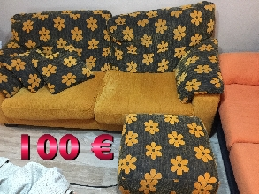 Sofá 3 plazas con puf