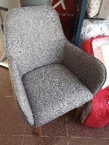 Sillon tapizado gris plata madera fresno 56x63x90