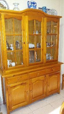 Mueble alacena de madera de pino estilo castellano