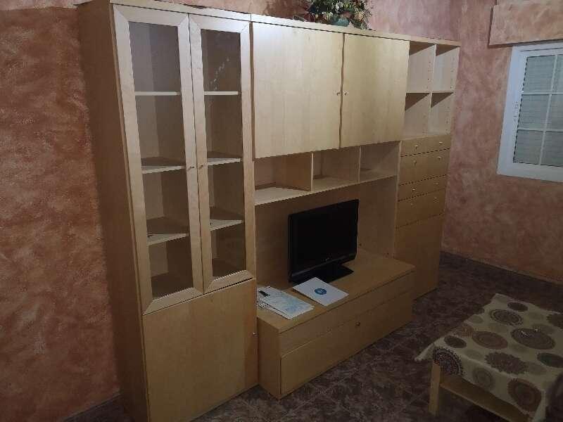 Mueble de salón en perfecto estado sin arañazos