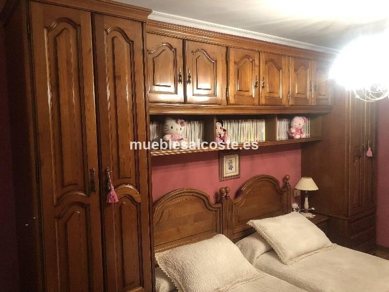 Habitacion de castaño, doble armario con puente, dos camas para colchón de 90cm cada una, estanteria de pared, mesita, sinfonier, tocador y espejo