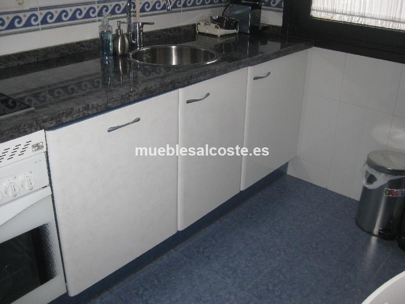 Mobiliario cocina electrodomesticos estilo moderno for Mobiliario cocina