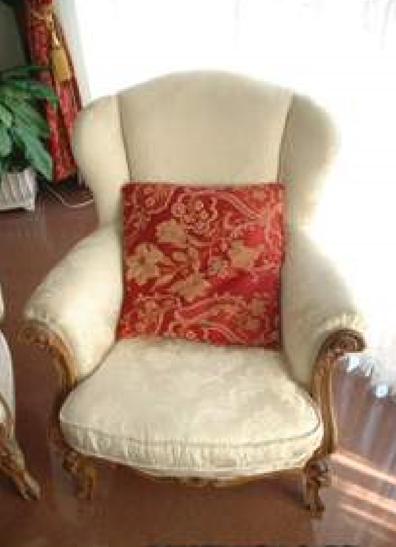 Sof y dos sillones estilo luis xv cod 14510 segunda mano for Sillones segunda mano