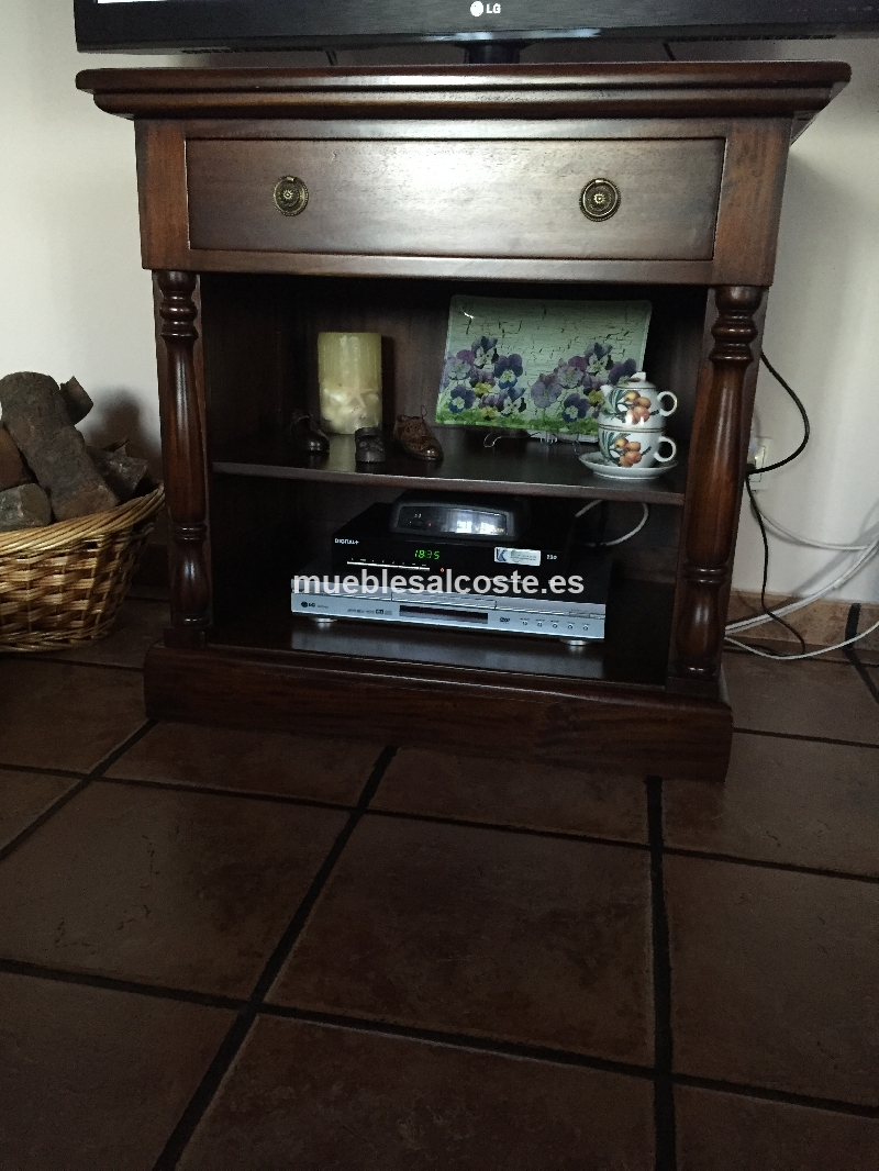 Mesa tv estilo colonial acabado madera cod 14525 segunda for Mesa tv segunda mano