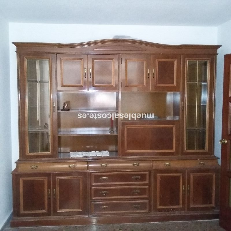 Mueble comedor estilo colonial acabado madera cod 15735 for Muebles comedor segunda mano valencia